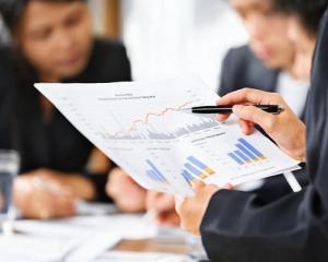 Stabilirea masurilor de reducere a cheltuielilor de personal in Institutiile Publice