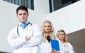 Indemnizatie de conducere pentru functiile de director si asistent medical sef. Ce prevede legea nr. 53/2017?