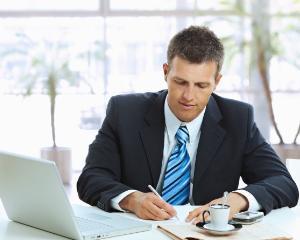 Munca suplimentara: cum pot fi compensate orele lucrate peste program