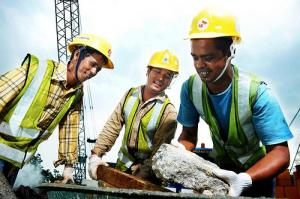 Muncitorii calificati in constructii pot obtine contracte de munca in Israel. Salarii de 1.500 de dolari
