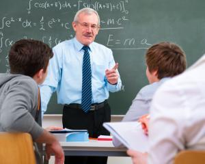 Reducerea normei didactice pentru o parte dintre profesori, fara diminuarea salariului