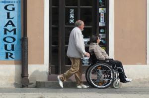 Valoarea sprijinului financiar pentru persoane cu dizabilitati va fi majorata de la 1 ianuarie