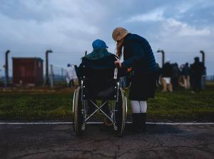 Peste 860.000 de persoane cu dizabilitati, in Romania. Cate institutii publice de asistenta sociala exista?