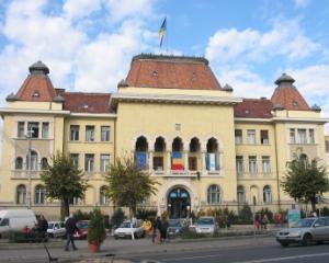 DNA a inceput urmarirea penala pentru primarul din Targu Mures, secretarul, directorul economic si juristul Primariei. Alti 20 de consilieri locali sunt suspectati de complicitate la abuz in serviciu