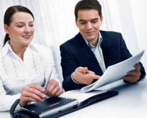 Cum se acorda salariul de merit pentru personalul contractual