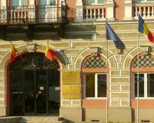 Steagurile proprii, obligatorii pentru institutiile publice: legea se aplica de miercuri