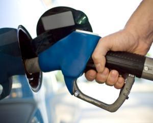 Traian Basescu: nu este necesara cresterea accizei la benzina si motorina