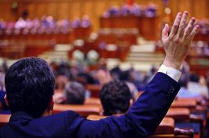 A fost adoptat Codul administrativ! Pensii speciale pentru alesii locali, iar parlamentarii pot fi numiti prefecti fara concurs
