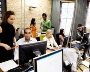 Angajatii bugetari vor primi vouchere de vacanta de 6 salarii minime brute
